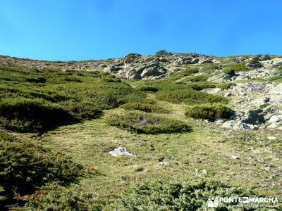 Hoyos glaciares El Nevero, Peña el Cuervo; turismo activo madrid;viajes enero